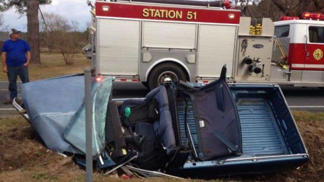 1 dead, another airlifted after NC pickup truck crash