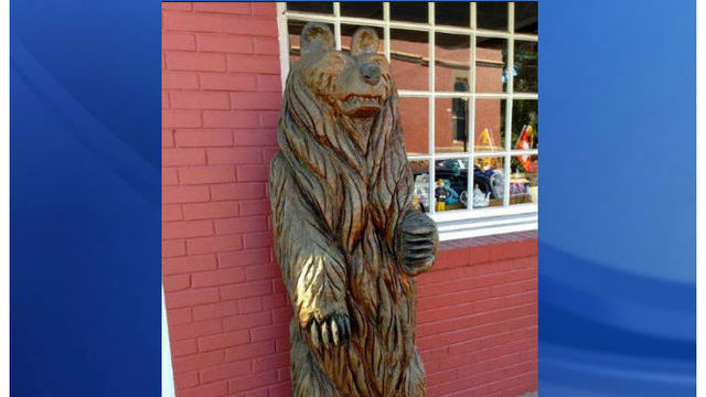 NC police searching for iconic bear swiped from gift shop
