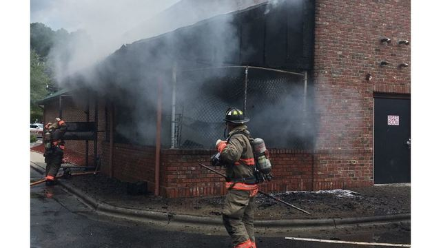 Firefighter injured during blaze at Durham Texas Roadhouse