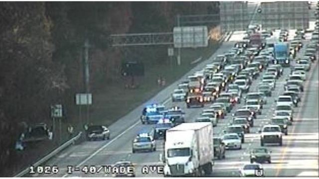 1 dead after crash along I-40 near Wade Ave. in Raleigh