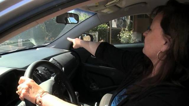 Woman gets $72 ticket after honking horn at police car