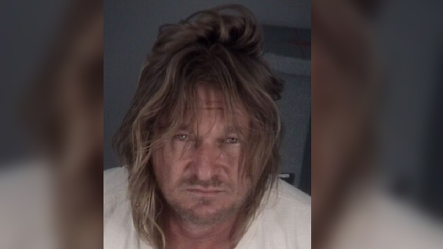 Florida man angry over socks attacks 2 with sword, deputies say