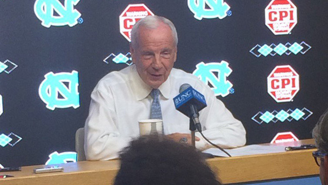 Roy Williams says he's unfamiliar with world portrayed at college basketball trial
