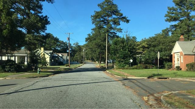1 critical after 2 teens shot in broad-daylight, Kinston police say